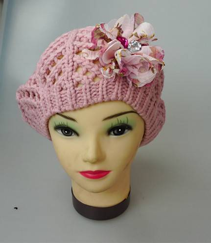 hollow out berets with flower