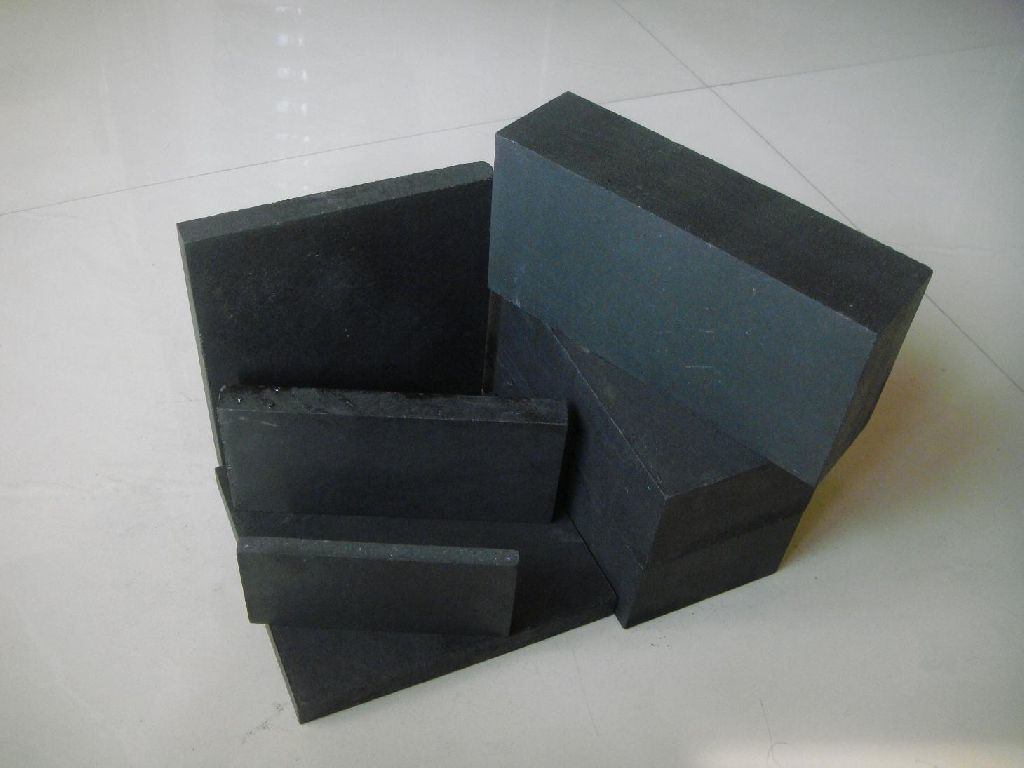Graphite bricks and plates