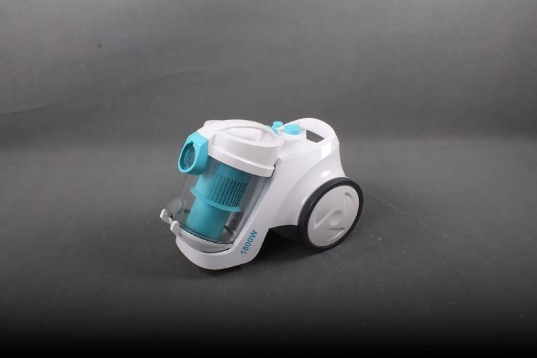Dual cyclone vacuum cleaner