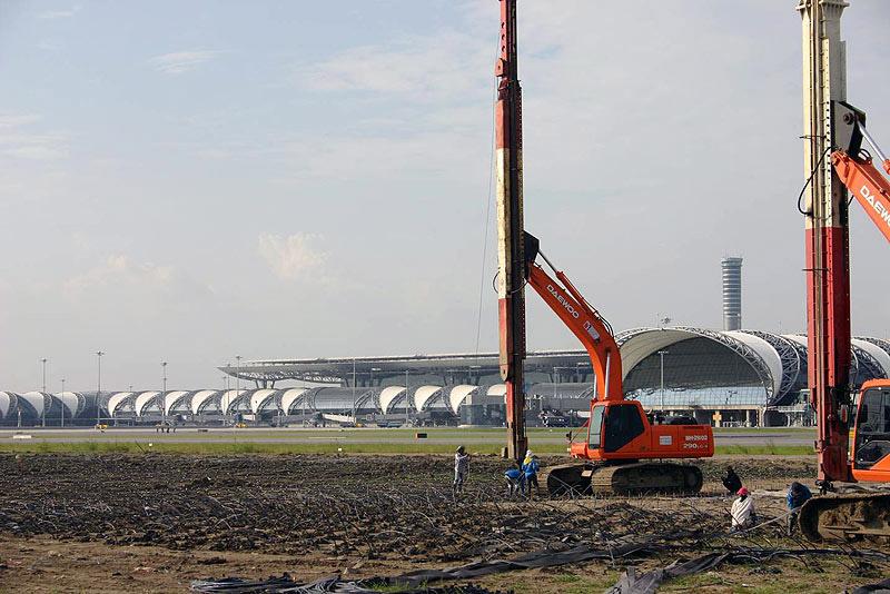 Vertical Drain Installation, Vacuum Consolidation Soil Improvement