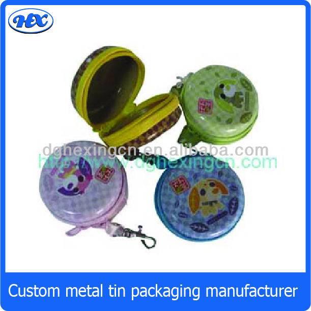 Small round tin box with zipper
