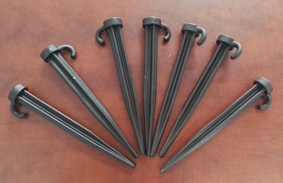Plastic tent stakes P/N 50608