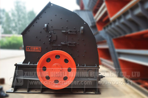 Wear-resistant and adjustable hammer crusher for limestone