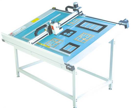 DCX series paperboard cutting machine with computer