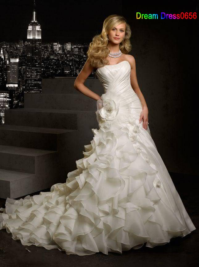 2014 New Custom Made White/Ivory Organza Ruffles Flower Strapless Graceful Wedding Dress Bridal Gown