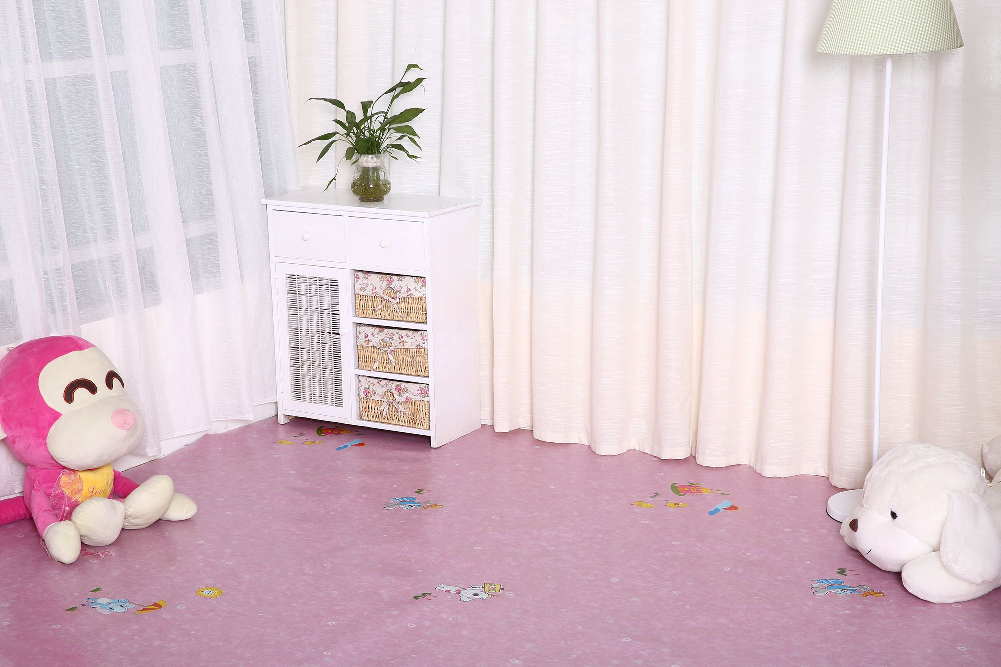 China made high quality plastic pvc vinyl flooring home decoration