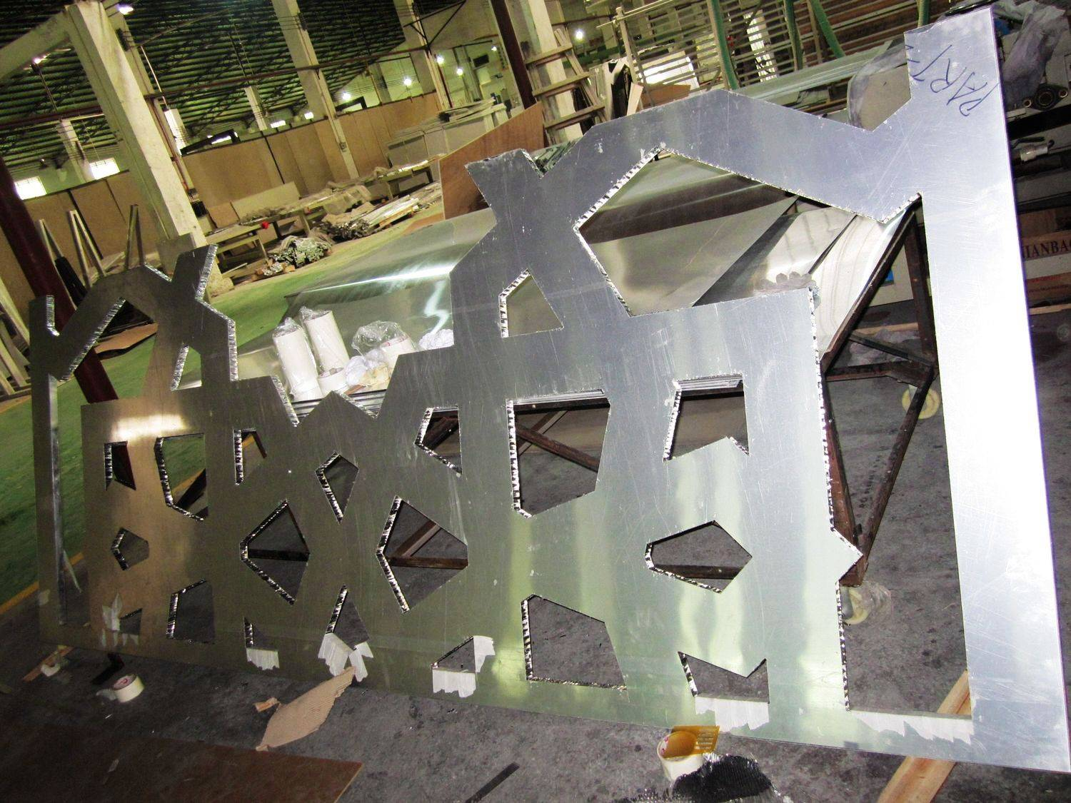 Special shape honeycomb panel