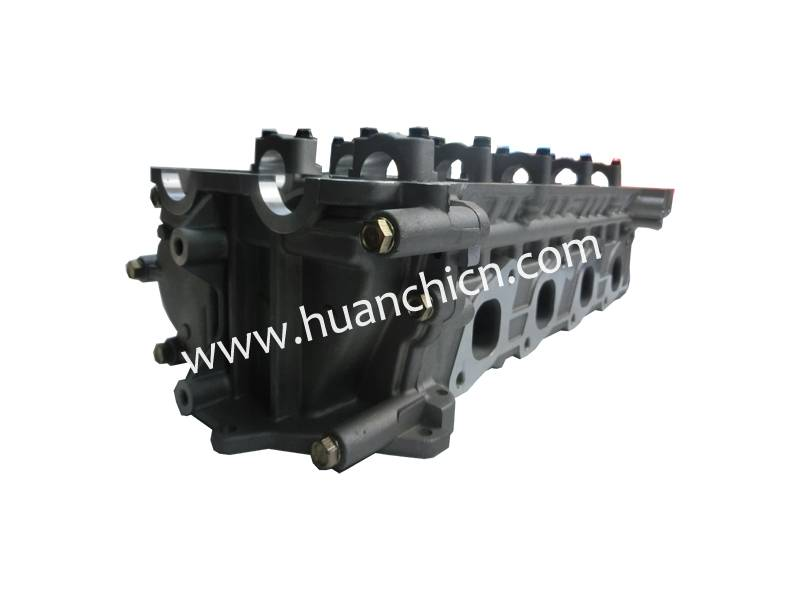 AUTO CYLINDER HEAD FOR NISSIAN ENGINE KA24 11040-VJ260