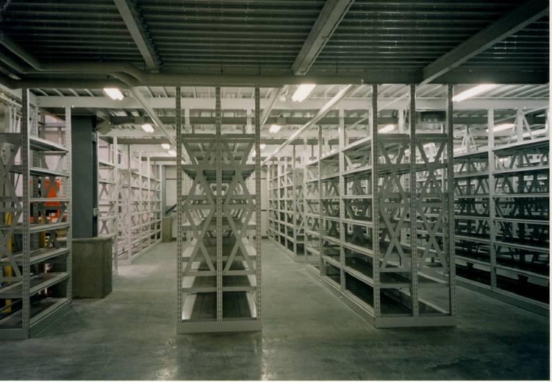 Mezzanine shelf