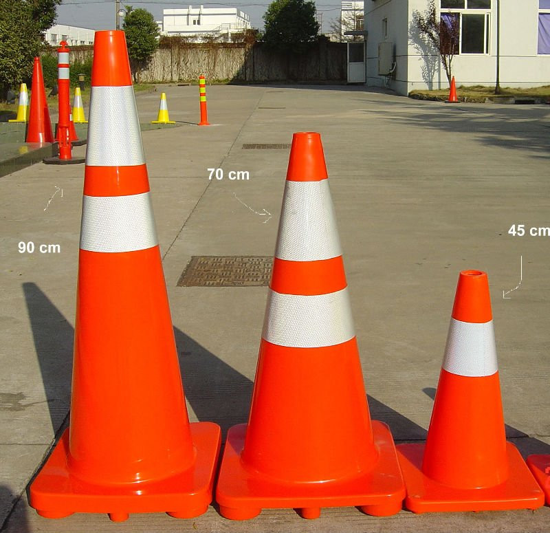 2017 hot sale factory price traffic cones for sale plastic cones for road safety