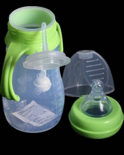 BPA free baby silicone feeding bottle