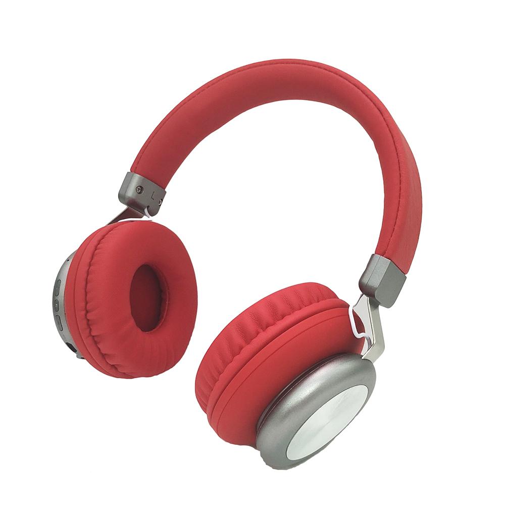 Factory producing metallic rubberized bluetooth headphones