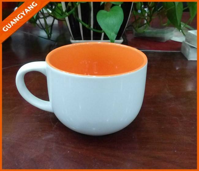 Hot sell 14oz big white ceramic soup mug with color inner