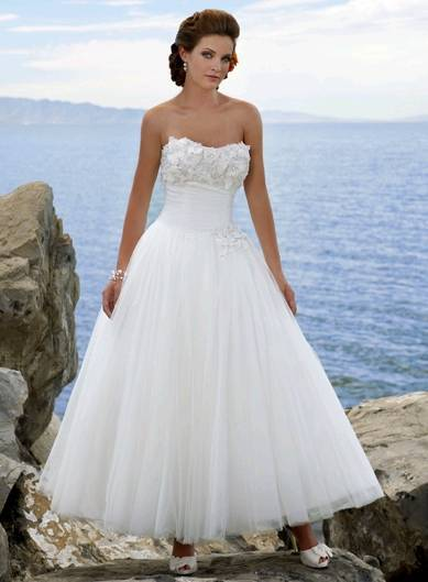 2011 New Elegant  White Tulle Strapless Beach Wedding Dress W124