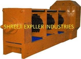 OIL EXPELLER / OIL SCREW PRESS