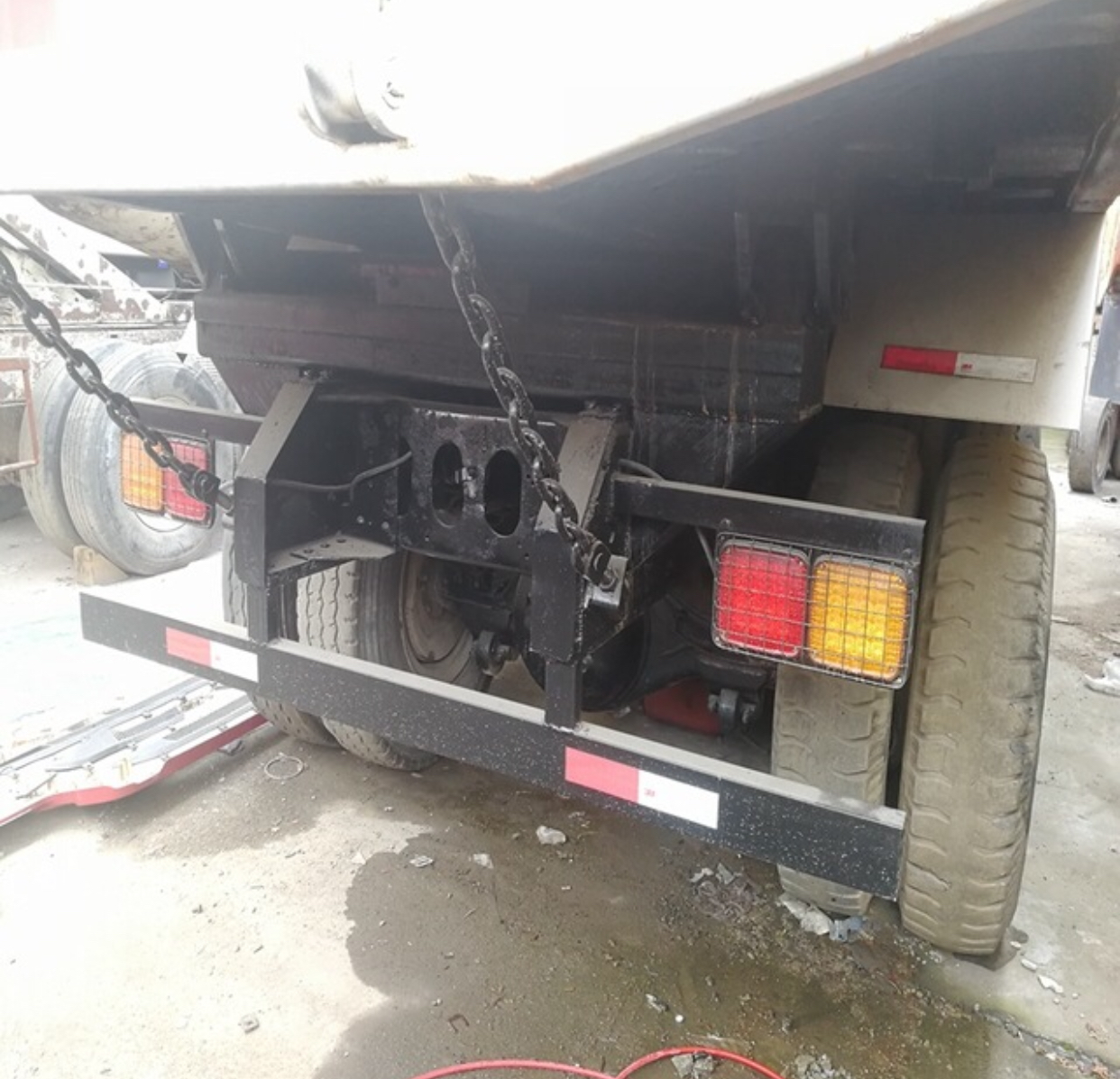 Clean Cabin 64 Used IsuzuDump Truck