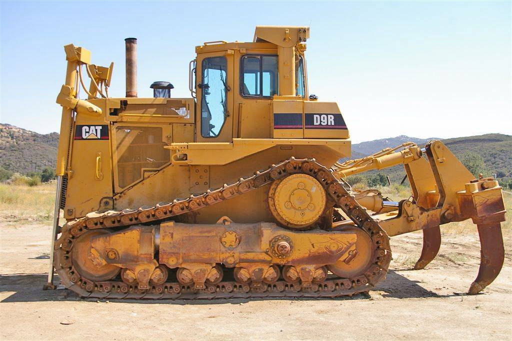 new unused CAT dozer D9R i130005 EIJH db40121