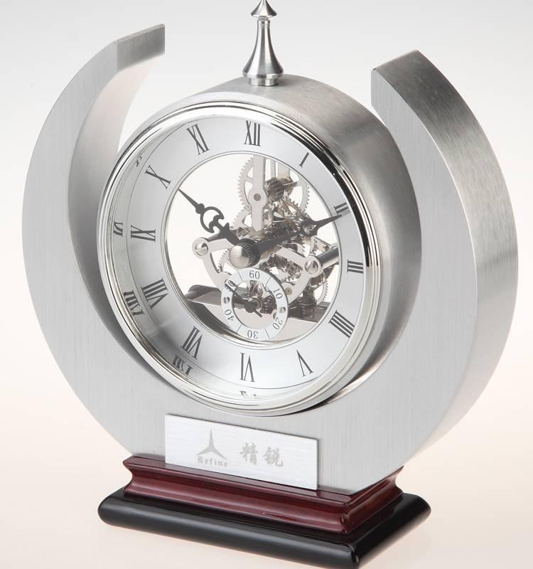 Conda Quartz wooden desk clock K8015
