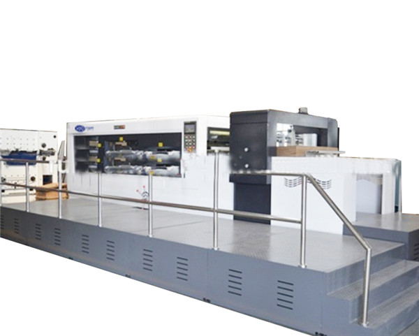 Automatic die-cutting and creasing machine with stripping