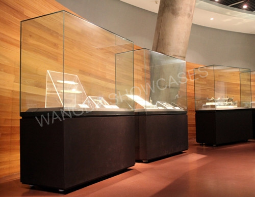 Glass-TOP Museum Freestanding Display Cases from china