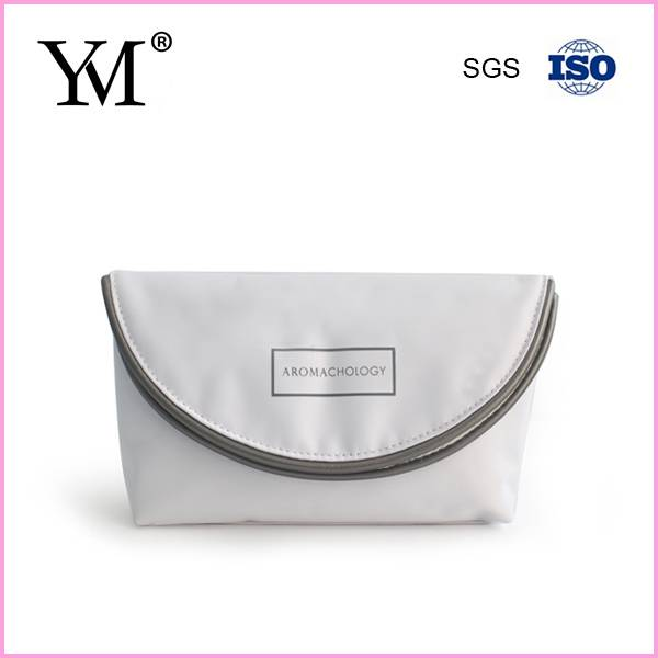 China hot sale SGS & ISO9001 small cosmetic bag clutch
