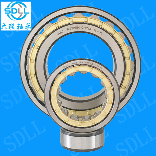 NJ220M cylindrical roller bearing brass cage