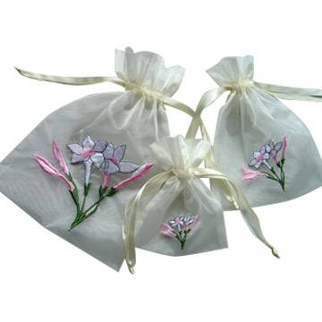 embroideried organza packaging bag for gifts and jewelry