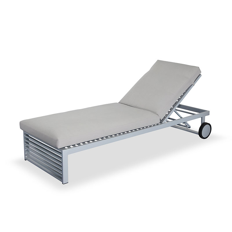 Elegant hotel aluminum reclining chaise lounge outdoor with wheels