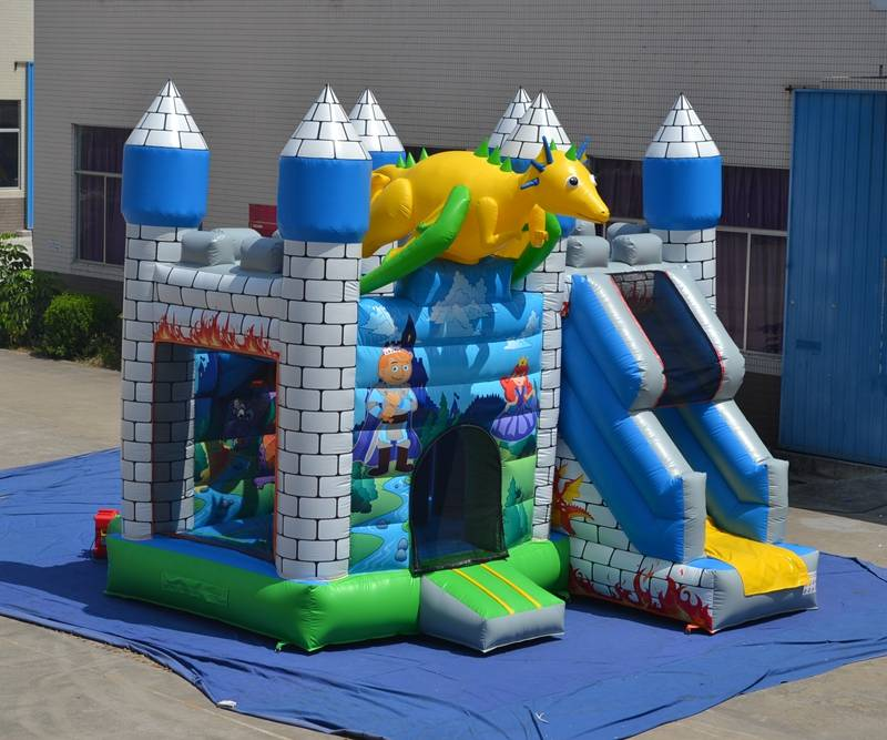 Lanqu inflatable bouncer jumping castle