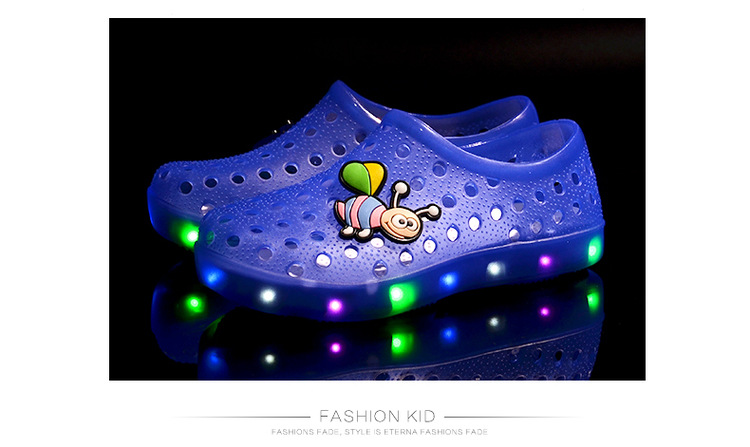 2017 Summer Slip On Kid Led Clogs Girls And Boys Children Led EVA Sandals Led Garden Shoes