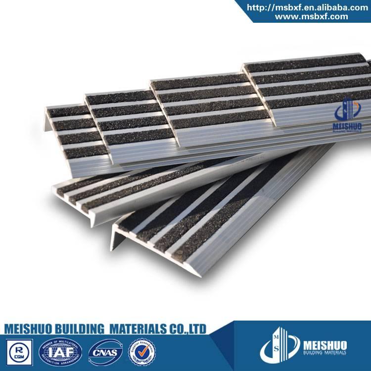 Carprt tile eding strip for exterior stairs