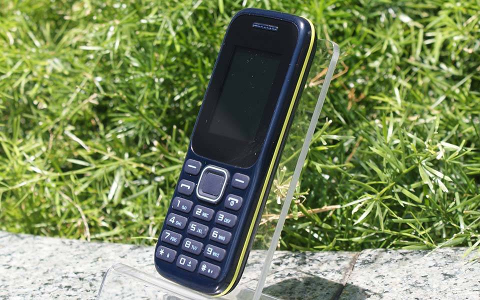 K207 lowest price 1.8 inch basic function feature phone OEM mobile phone