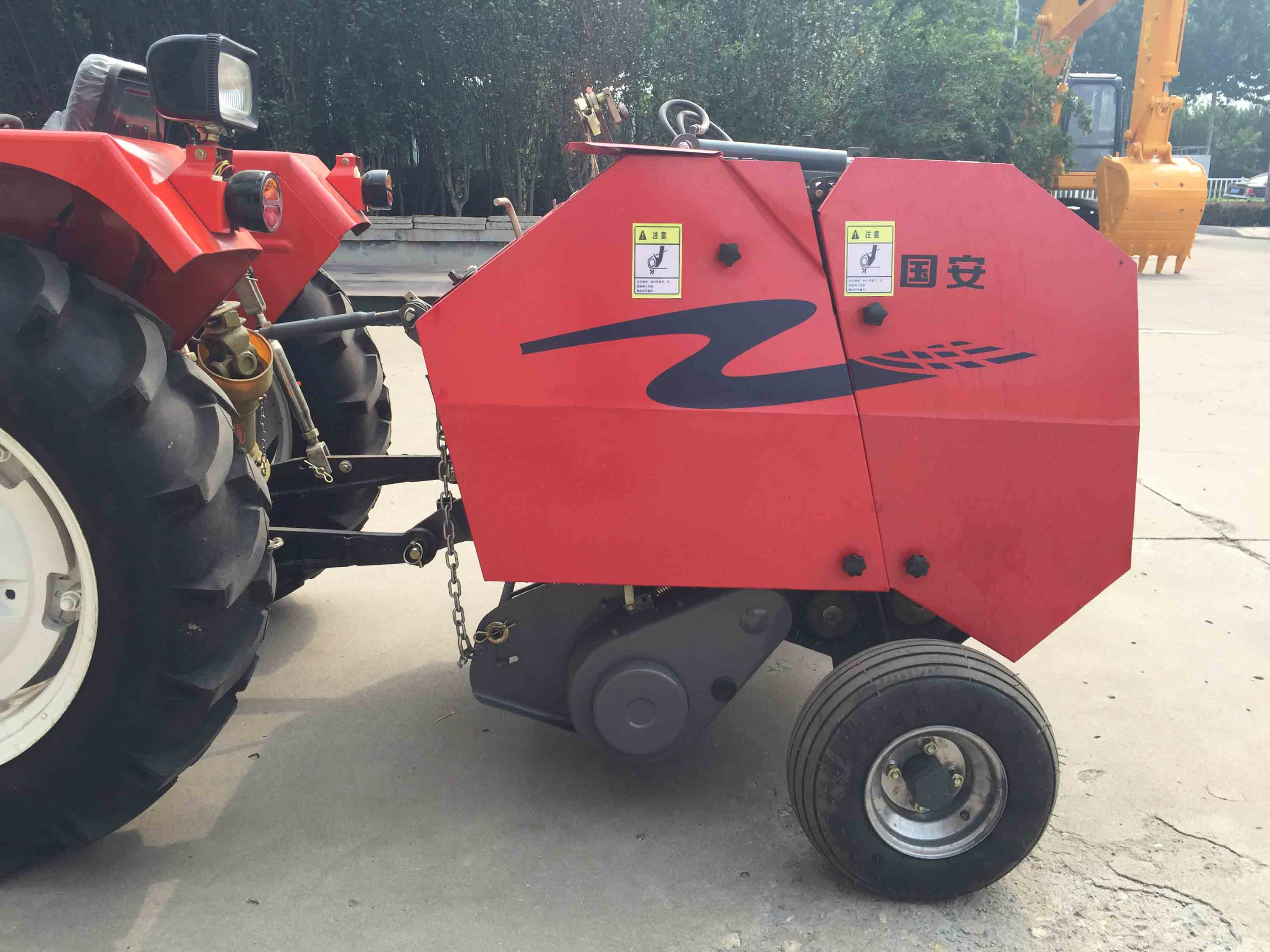 2017 high quality Mini pine straw baler machine