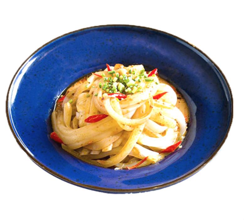 Delicious fresh instant udon noodles
