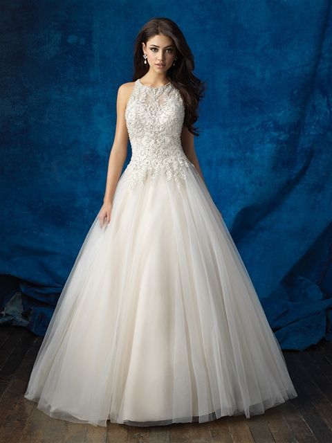 Modest Design Lace Top Quality Long Train Lace Wedding Dress