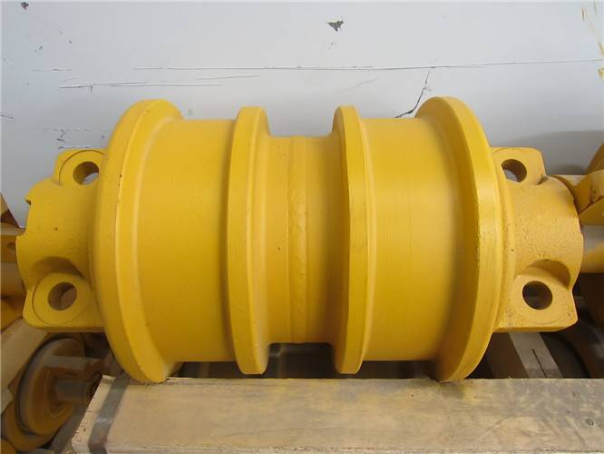 Komatsu-D355 Track roller DF