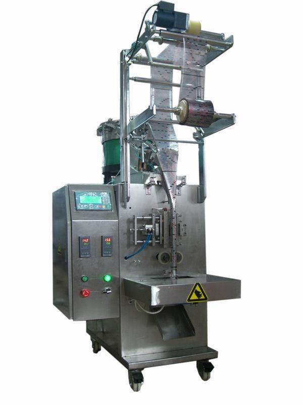Automatic screw packing machine
