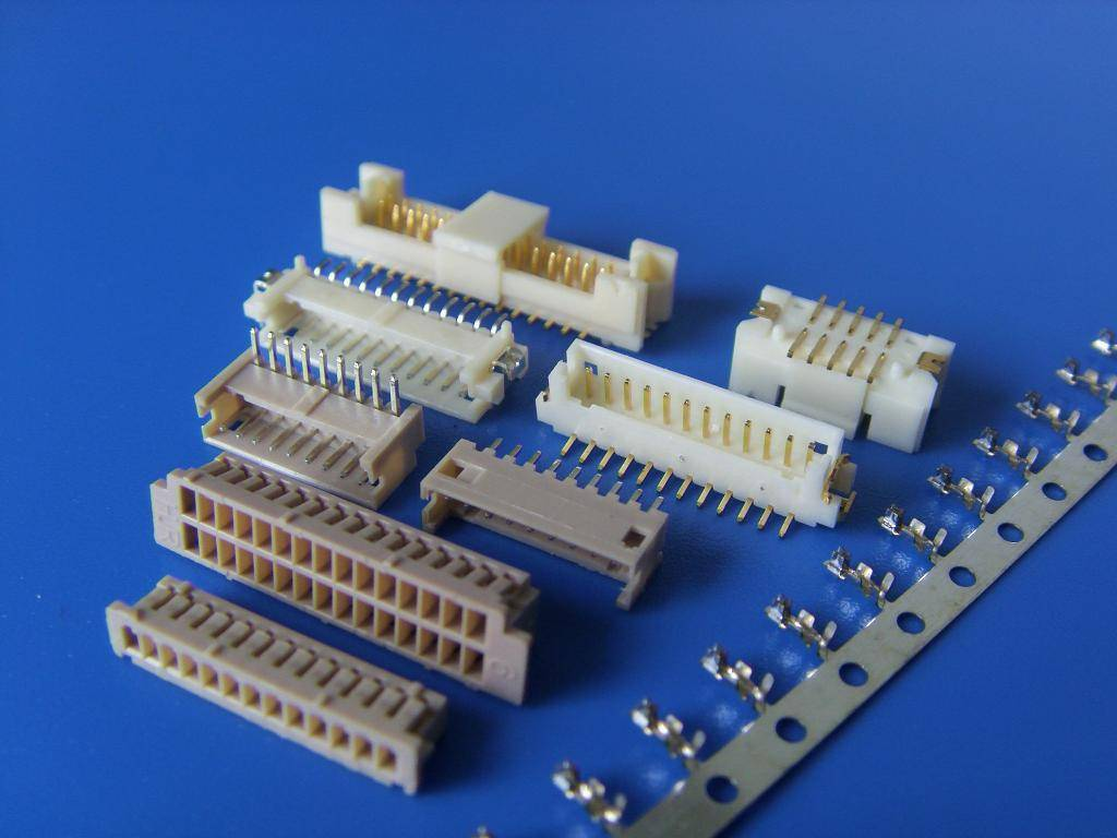 Hirose DF9 DF11 DF13 DF14 DF19 DF20 CONNECTOR SMT WIRE