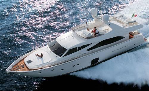 Ferretti 830 Yacht