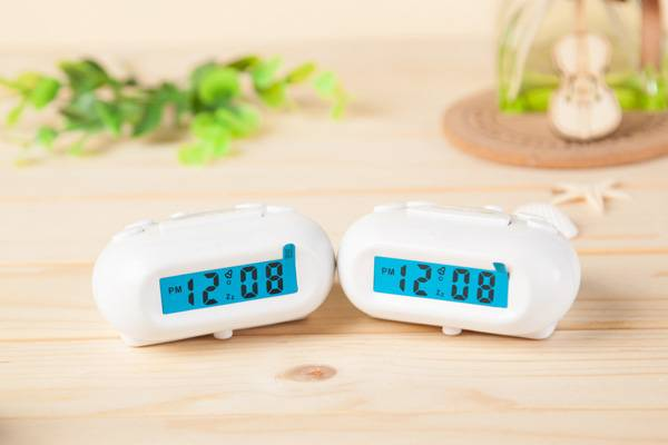 mini white dongguan  digital clock with snooze