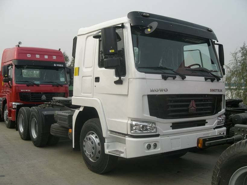 SINOTRUK HOWO 6X4 371hp/336hp/420hp  EURO2/3/4 ALL WHEEL-DRIVE TRACTOR TRUCK popular sale