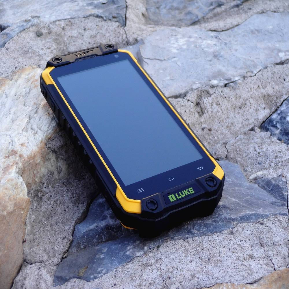 4.5 inch android waterproof rugged smart phone with IP68