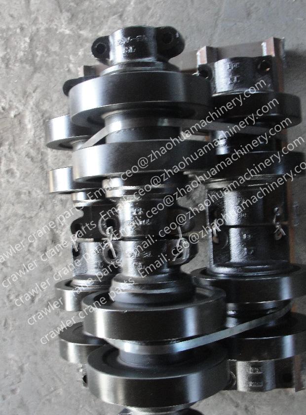 KOBELCO CKE2500track roller_crawler crane track roller