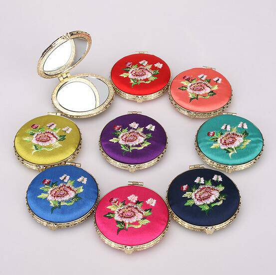 Chinese Style Embroidery Cosmetic Mirror