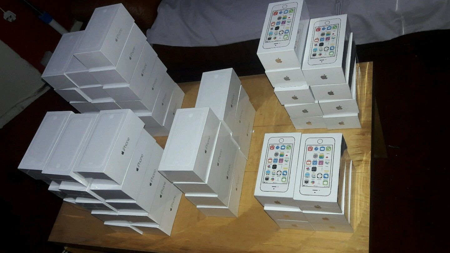 Apple iPhone 5s - 32Gb - silver/black/gold(Unlocked) Smartphone Seal Pack