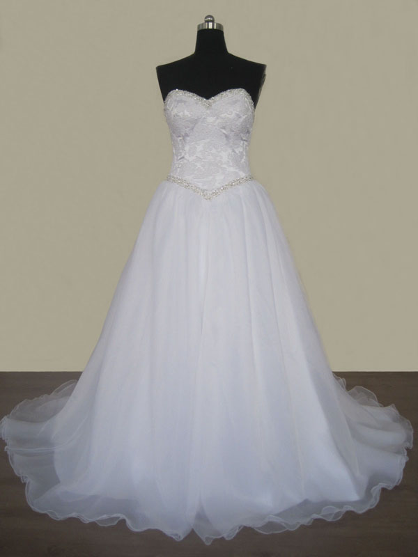 Sweetheart Ball Gown Wedding Dress With Beads Belt