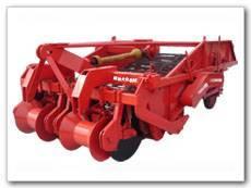 1650 model conveyer blet type potato harvester