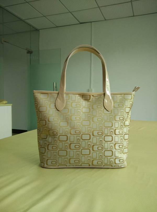 RT geometrical pattern  -1 tote bag