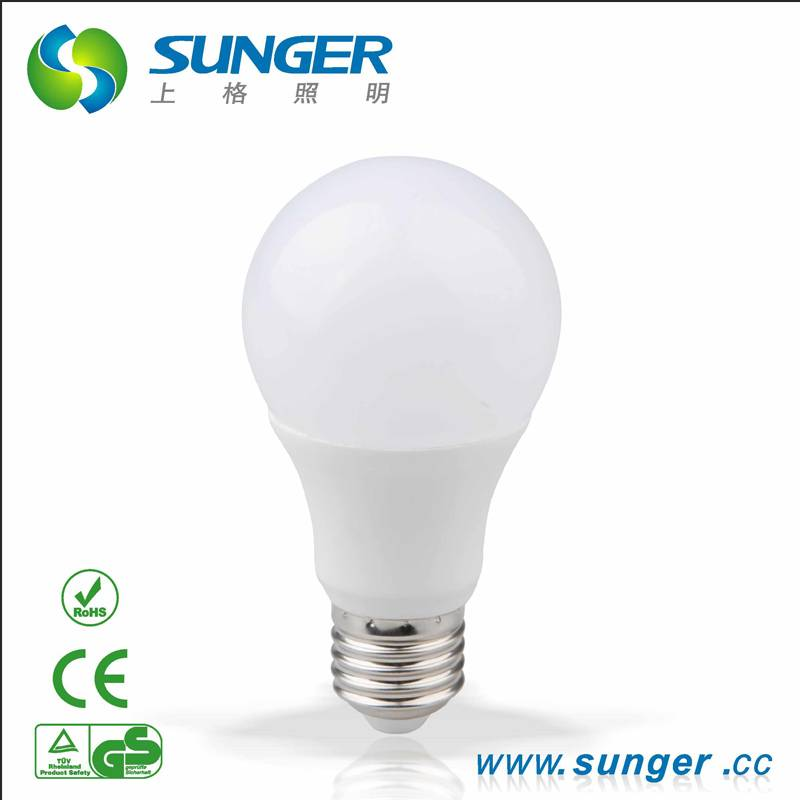 2015 new hot sales white led bulb A60 With E27/B22 with CE and Rohs