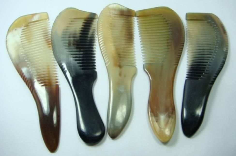 Nature horn comb